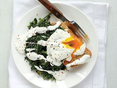 Ispanaklı poşe yumurta
