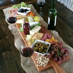 42 Inch- Extra Large Wooden Serving Platter- Cheese Board- in Oak- by Red Maple Run- Cutting Board- Gift for Foodie - Fingerfood & Snacks - Fruit Wooden Serving Platters, Food Platters, Cheese Platters, Cheese Tray Display, Cheese Table, Snacks Für Party, Appetizers For Party, Appetizer Recipes, Wine Appetizers