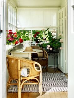 one day at a time: summer inspiration.  **back porch - ledge for plants**
