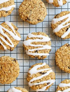 Flourless Oatmeal Raisin Cookies that are soft, chewy, perfectly sweet, and so deliciously comforting! Super easy to make with really simple ingredients. Oat Bars, Granola Bars, Muffin Recipes, Blender Recipes, Jelly Recipes, Gf Recipes, Canning Recipes, Free Recipes, Snack Recipes