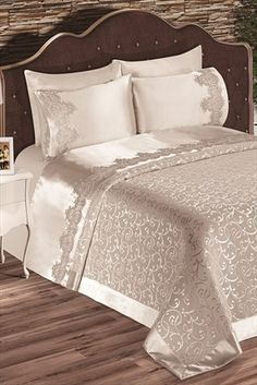 Evlen Home & Alanur Home Collection – Double Diana Pike Team Cream in Trendyol: - New Deko Sites Interior Decorating Styles, New Interior Design, Home Decor Trends, Elegant Home Decor, Elegant Homes, Bed Cover Design, European Home Decor, Home Collections, Bed Spreads