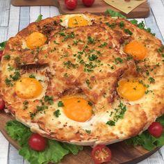 Tarte croque-madame - Recette de Croque-monsieur pour 6 personnes - Préparation en 20 minutes Mozzarella, Diys, Pasta, French Food, Entrees, Breakfast Recipes, Sandwiches, Food And Drink, Yummy Food