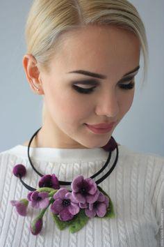 """Купить Колье """"Вальс цветов"""" - бледно-сиреневый, фиалки, цветы, цветок, весенние цветы, весна"""