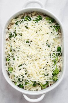 Broccoli Chicken Casserole Recipe - A loaded and comforting chicken casserole your whole family will love! Broccoli Chicken, Chicken Broccoli Casserole, Keto Chicken, Chicken Recipes, Keto Casserole, Casserole Dishes, Bellini Cocktail, Keto Recipes, Healthy Recipes