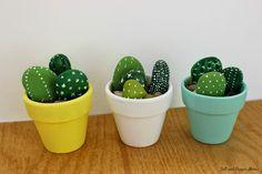 Aujourd'hui je vous présente un petit DIY déco. Vous allez apprendre à fabriquer de vos 10 doigts un cactus à partir de galets.