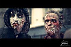 http://tejiendoelmundo.files.wordpress.com/2011/10/zombie-walk-4.jpg