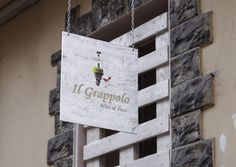 :-) Condividiamo con voi amici l'articolo di Sommelier Advice by Vinasco che racconta la nuova realtà di Porto Recanati: Il Grappolo <3  http://www.sommelieradvice.com/linizio-di-una-nuova-avventura/  #wine #vinasco #marche #ilgrappolo #grappolo #tourism #portorecanati #recanati #ancona #macerata #sanbenedetto #milano #roma #vino #whisky #grappa #liquere #madeinitaly #champagne