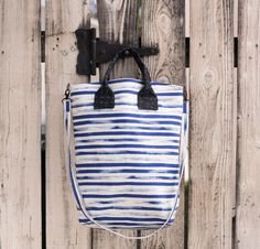 Green Bee On Holiday Bag Kit in Gust Cobalt Stripes -