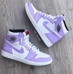 Jordan Shoes Girls, Girls Shoes, Jordans Girls, Air Jordans Women, Outfits With Jordans, Girls Wearing Jordans, Nike Air Jordans, Nike Outfits, Retro Outfits