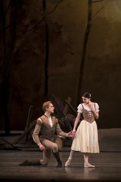 David-Hallberg-as-Albrecht-and-Natalia-Osipova-as-Giselle-in-Giselle-The-Royal-Ballet-©-ROH-2018.-Photographed-by-Bill-Cooper.jpg (666×1000)