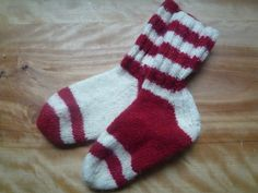 Cat and The Hat Knit Socks - CraftStylish