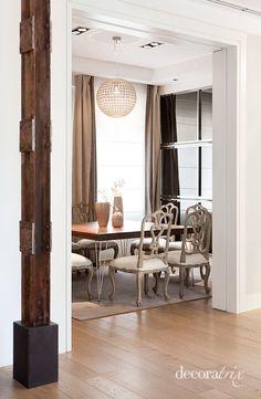 #Parquet en #Salones www.decorgreen.es Un comedor clásico en una reforma moderna