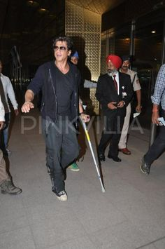 @Omg SRK at #Mumbai airport new terminal leaving for #Malyasia concert