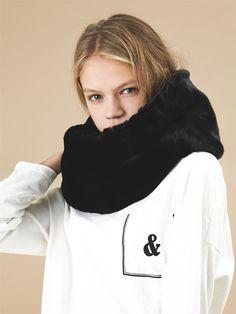 13Month fur muffler black