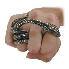 Самые необычные и диковинные модели колец - Ярмарка Мастеров - ручная работа, handmade   Кольцо - укус змеи