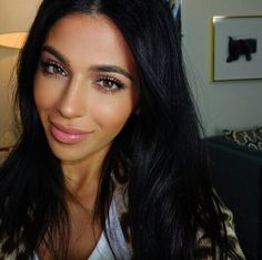 Teni Panosian Natural Everyday Makeup