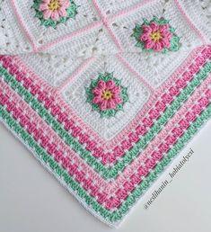 Gecikmeli bir mutlu akşamlar 😊 💕 💕 #örgü#tığişi#tigisi#elisi#elişi#knit#knitting#knitter#knittersofinstagram#crochet#crocheting#crochetlover#crochetaddict#yarn#yarnaddict#battaniye#bebekbattaniyesi#blanket#babyblanket#sipariş#siparişalınır#ceyiz#ceyizhazirligi#çeyiz#çeyizhazırlığı#ceyizönerisi#çeyizönerisi#order