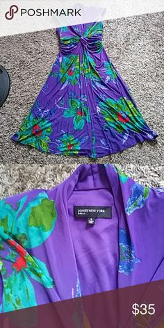 Beautiful Gorgeous Dress One of a kind. Good condition. Size 8. The shoulders have a little padding. Like a violet/blue/purple color Jones New York Dresses