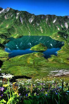 travelgurus: The Beautiful Lake Schrecksee at Bad Hindelang, Germany Travel Gurus - Follow for more Nature Photographies!