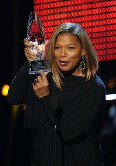 Queen Latifah's winning look at the 2014 People's Choice Awards