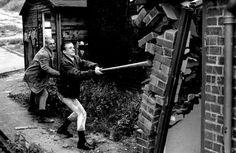vintage street style photography > Skins / Skinhead / Skinheads / Oi! / Dr Martins
