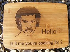LIONEL RICHIE CHOPPING CUTTING CHEESE BOARD PLACE MAT DINNER IS COMING WOLF WINTER LION ENGRAVED WOODEN NOVELTY WOOD KITCHEN COOKING BAKING FUN NOVELTY BIRTHDAY PRESENT WEDDING GIFT LASER ENGRAVED RITCHIE by FASTCRAFT UK (20x15 cm)