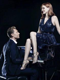 #TomHiddleston e #JessicaChastain. Lindos. #CrimsonPeak #Curtam ~LokiBR