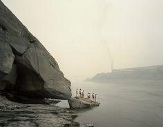 Nadav Kander – Bathers, Yibin, Sichuan, 2007