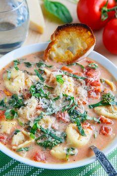 Creamy Parmesan Tomato and Spinach Tortellini Soup