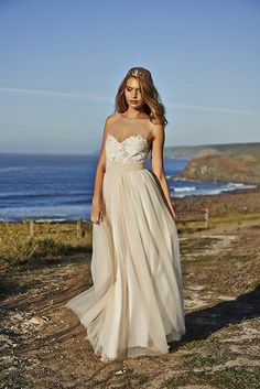 Bohemian Wedding Dress and gowns #GraceLovesLace