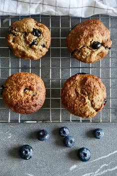 Elegant Oatmeal muffins with blueberries oat Blueberry Oat Muffins, Vegan Blueberry, Oatmeal Muffins, Blueberry Recipes, Kid Muffins, Sugar Free Muffins, Healthy Muffins, Healthy Treats, Chocolate Lasagne