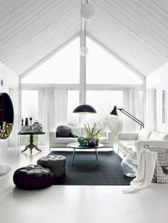 Black And White Living Room Decor With Minimalist Design 42