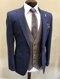 Wedding suit rental for men & tailoring suit rental . - Wedding suit rental for men & tailoring Groom suit - Wedding Suit Rental, Wedding Men, Wedding Groom Suits, Vintage Wedding Suits, Groomsmen Suits, Wedding Attire, Groom Wear, Groom Attire, Mens Fashion Suits