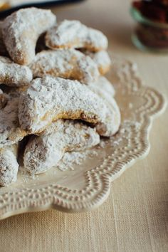 These simple almond flour crescent cookies are a healthy take on my nanny's signature crescent cookie recipe. Each cookie only has about 60 calories and 2 grams of sugar plus they're gluten-free and easily made vegan! Almond Cookies, Keto Cookies, Sugar Cookies Recipe, Gluten Free Cookies, Cookie Recipes, Healthy Cookies, Shortbread Cookies, Chocolate Cookies, Chip Cookies