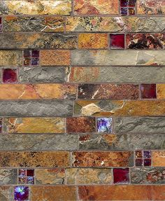 Rustic California Gold Slate tile mixed with burgundy color glass inserts mosaic is an elegance subway slate glass mosaic kitchen backsplash tile.