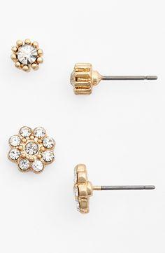 Love these crystal flower stud earrings.