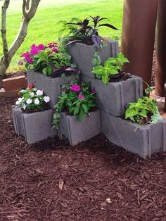 80 Awesome Spring Garden Ideas for Front Yard and Backyard DIY Garden Ideas. Garden Yard Ideas, Garden Planters, Garden Projects, Diy Projects, Garden Tips, Backyard Ideas, Front Yard Ideas, Cool Garden Ideas, Front Yard Decor