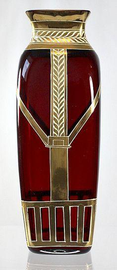 Jarrón modernista realizado por Josef Riedel c.  1,905.