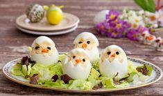 Egyszerű és mutatós előétel, amit könnyedén elkészíthetünk! Érdemes kipróbálni! Hozzávalók: 6 tojás 1 evőkanál natúr sajtkrém 1 evőkanál majonéz só, bors 1 répa magvazott olajbogyó Elkészítése: A tojásokat megfőzzük, majd...