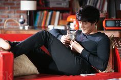 17 things we bet you didn't know about So Ji Sub