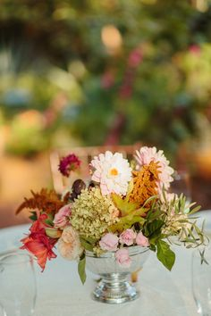 Real Wedding, featured on Southern Weddings:  Stephanie + Ray // Floral:  The Southern Table, Floral + Event Design // Planner:  Stefanie Miles // Photo: Sara and Rocky Garza // Venue:  Weston Gardens // Rentals: Kennique Linens  http://southernweddings.com/2014/04/17/fall-texas-wedding-by-stefanie-miles/