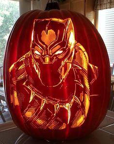 This Superb Black Panther pumpkin carving features this hero of Wakanda. Pumpkin Art, Pumpkin Faces, Pumpkin Crafts, Pumpkin Stencil, Pumpkin Ideas, Pumpking Carving, Amazing Pumpkin Carving, Halloween Quotes, Halloween Ideas