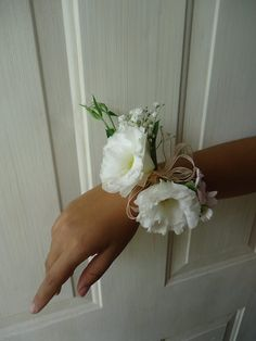 CBP138 Weddings Riviera Maya white wrist corsage / Bodas corsage blanco