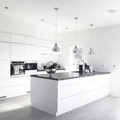 We love this kitchen! Amazing inspiration by L Shaped Kitchen Designs, Grey Kitchen Designs, Kitchen Room Design, Contemporary Kitchen Design, Home Room Design, Home Decor Kitchen, Kitchen Interior, White Gloss Kitchen, Gray And White Kitchen