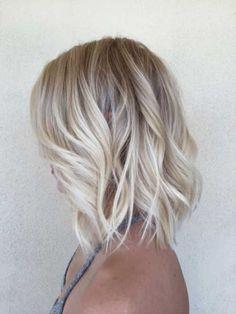 short blonde bob hair style