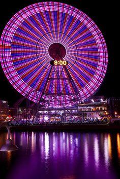 Cosmo Clock 21 Giant Ferris Wheel Yokohama Japan World's largest clock Yokohama, Beautiful World, Beautiful Places, Beautiful Pictures, Purple Haze, Shades Of Purple, Kyoto, Places Around The World, Around The Worlds