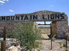 Lion House at Two Guns    Remains of the old zoo that was part of the tourist attraction of Two Guns, Arizona.