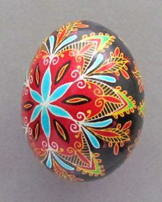 pretty colors on thid egg... would be pretty in a drawer knob