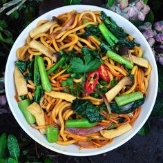 Mummabear cooked it It's hokkien noodles with chinese broccoli, carrots, onions, mushrooms & green onions. Currently outta tofu so didn't include any this time around!