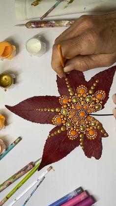 Mandala Art Lesson, Mandala Artwork, Mandala Painting, Mandala Drawing, Dot Art Painting, Painting Patterns, Stone Painting, Mandala Design, Mandala Dots